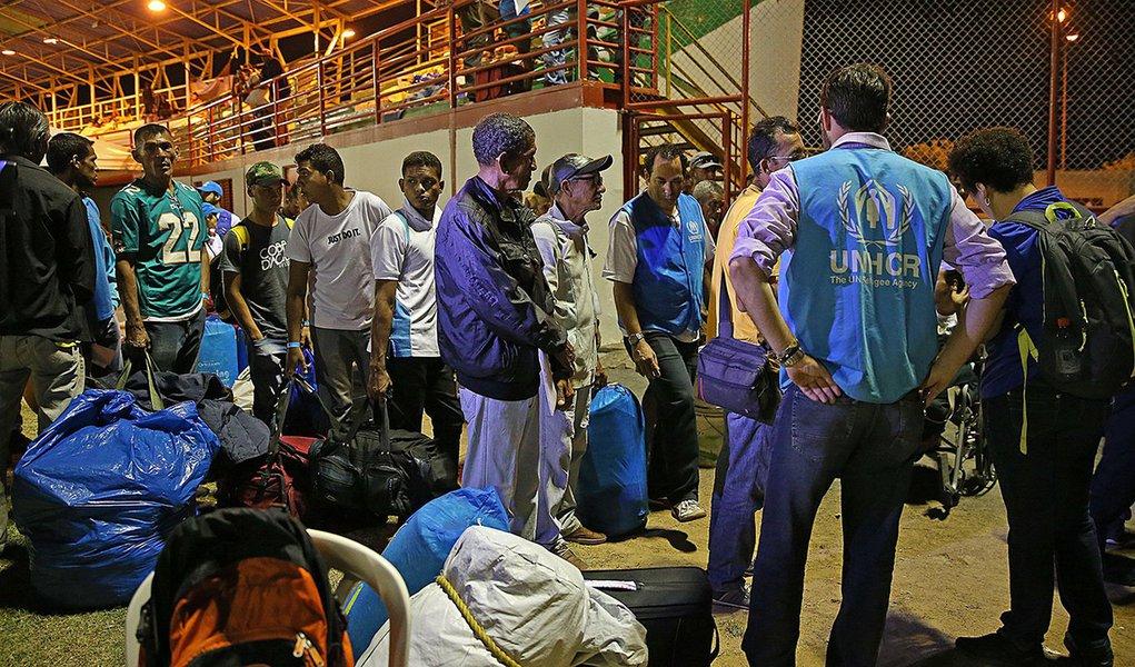 Boa Vista (Roraima) - Refugiados venezuelanos se preparam para deixar Boa Vista com destino a São Paulo (Antônio Cruz/Agência Brasil)