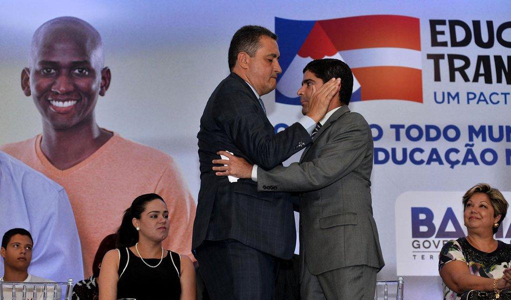 30/03/2015- Salvador- BA, Brasil- O prefeito ACM Neto (DEM) e o governador Rui Costa (PT) participaram do lançamento do Pacto pela Educação. Fotos: Max Haack/ Agecom