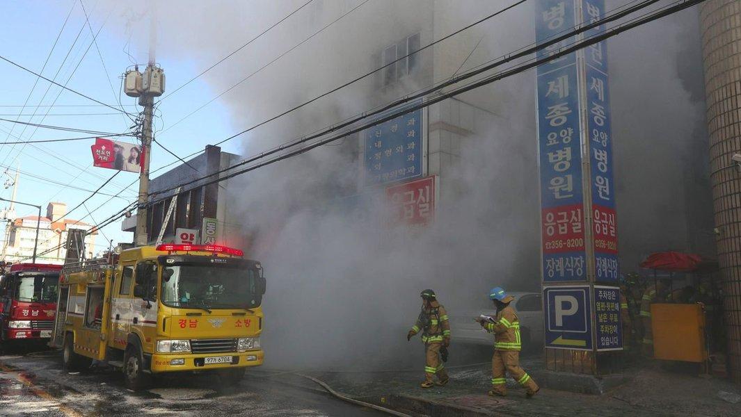 Incêndio em hospital da Coreia do Sul deixa ao menos 37 mortos