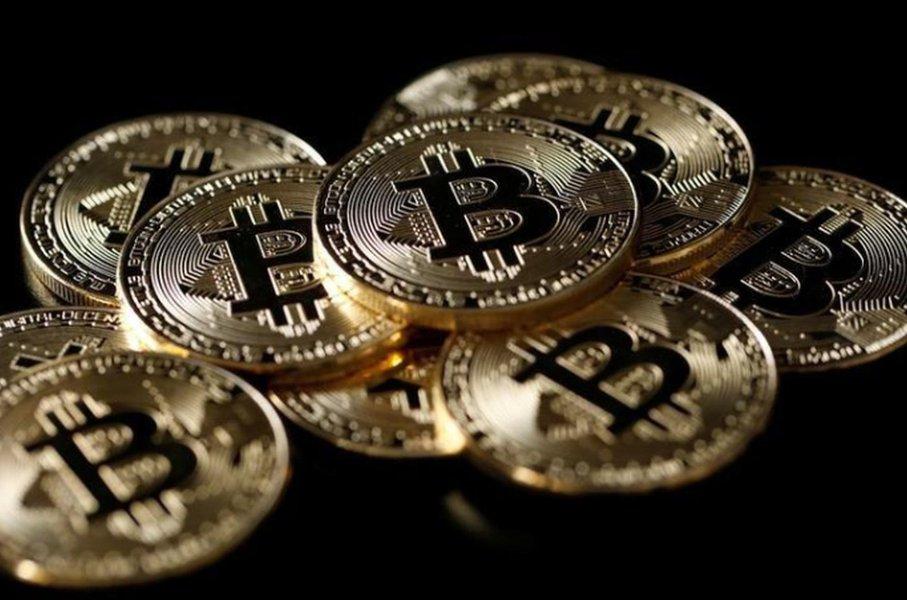 Ilustraçções da moeda virtual bitcoin 8/12/2017 REUTERS/Benoit Tessier/Illustration