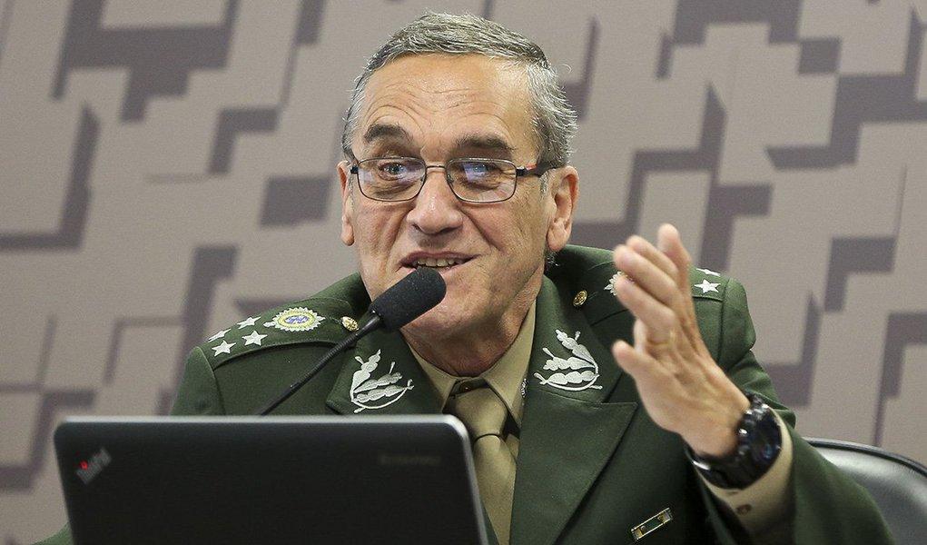 Brasília - O comandante do Exército, general Eduardo Dias da Costa Villas Boas, durante audiência pública na Comissão de Relações Exteriores e Defesa Nacional, do Senado (Marcelo Camargo/Agência Brasil)