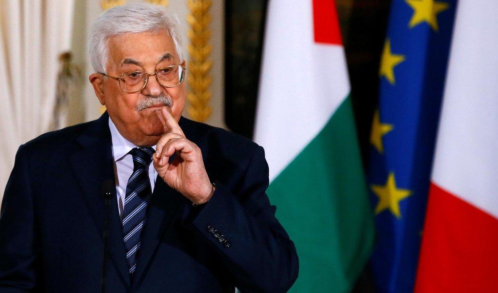 Presidente palestino, Mahmoud Abbas, durante coletiva de imprensa no Palácio do Eliseu, em Paris 22/12/2017 REUTERS/Francois Mori