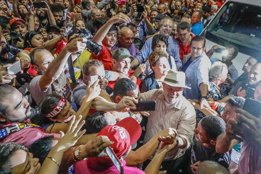 Ato em São Leopoldo encerra a passagem da Caravana Lula pelo Brasil pelo estado do Rio Grande do Sul. #LulapeloSul #LulapeloBrasil Foto: Ricardo Stuckert São Leopoldo (RS), 23/03/2018.