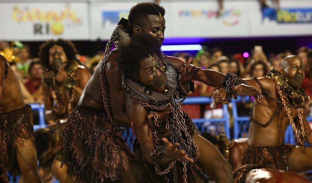 11.02.2018 - Carnaval Rio 2018 - Desfile na Sapucaí - Paraíso do Tuiuti - Grupo Especial - Gabriel Nascimento | Riotur