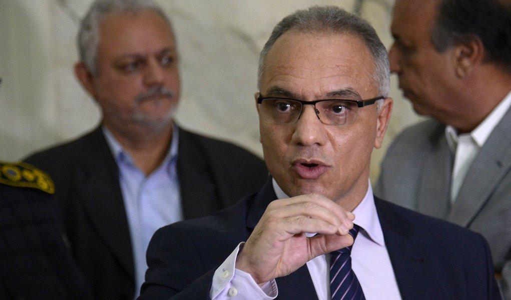 Rio de Janeiro - O secretário de segurança, Roberto Sá durante reunião sobre plano de segurança integrado para o estado, no Palácio Guanabara (Tomaz Silva/Agência Brasil)