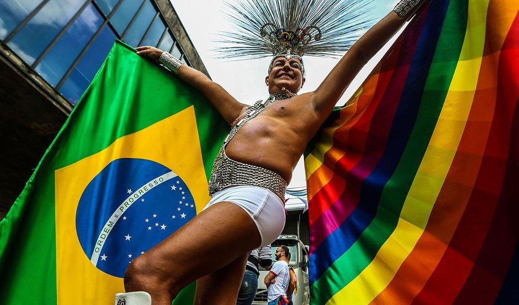 São Paulo- SP- Brasil- 29/05/2016- 20ª edição da Parada do Orgulho LGBT de São Paulo, na avenida Paulista. Foto: Paulo Pinto/ Fotos Públicas