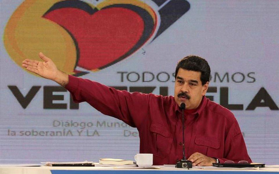 Presidente da Venezuela, Nicolás Maduro, faz discurso semanal em Caracas 17/109/2017 Divulgação Palácio de Miraflores via REUTERS