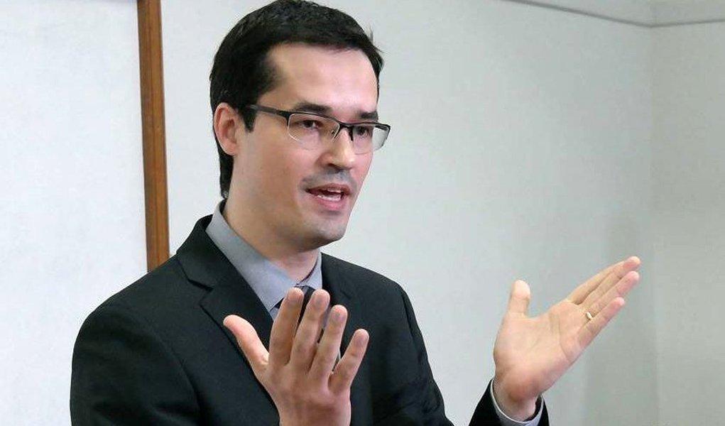 O procurador da República Deltan Dallagnol, que integra o núcleo da Operação Lava Jato, participa de lançamento, no Rio, do projeto 10 Medidas Contra a Corrupção, do MPF (Vladimir Platonow/Repórter da Agência Brasil)