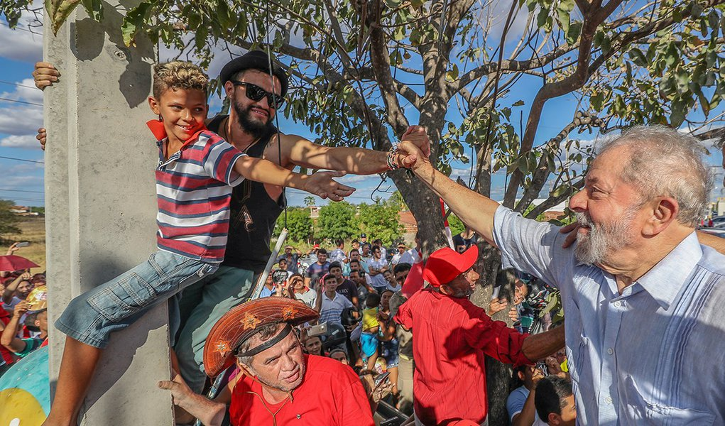 30/08/2017- Lula é recebido pelo povo de Iguatu (CE) Foto: Ricardo Stuckert