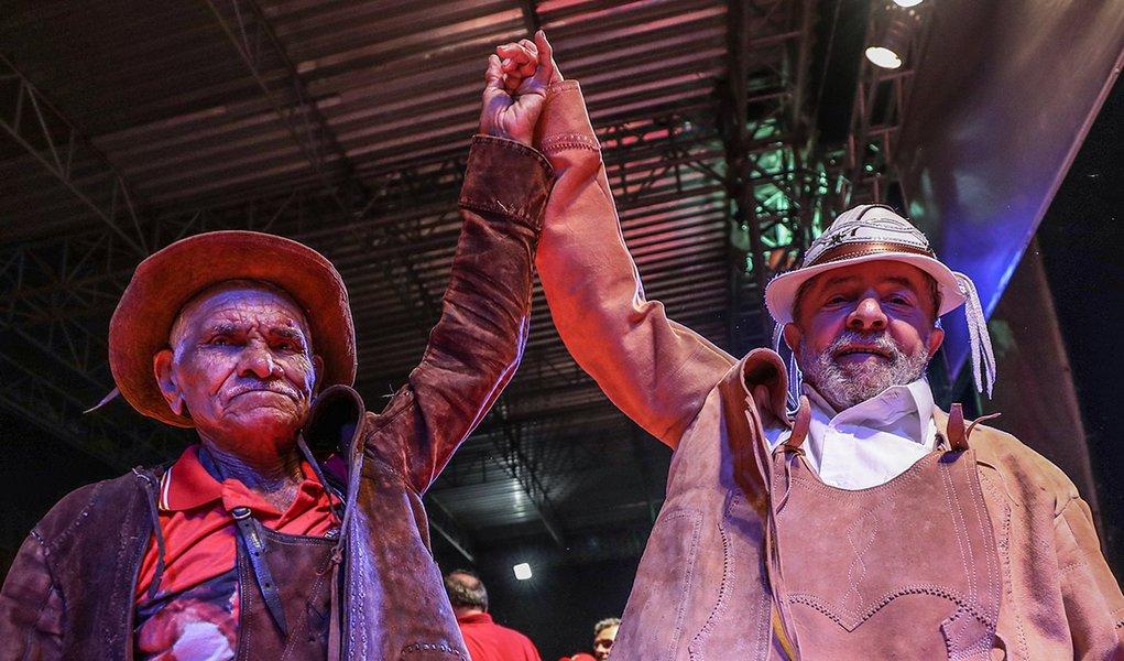 21/08/2017- Lula encontra seu Finho, vaqueiro mais velho do estado de Sergipe, com 92 anos Foto: Ricardo Stuckert