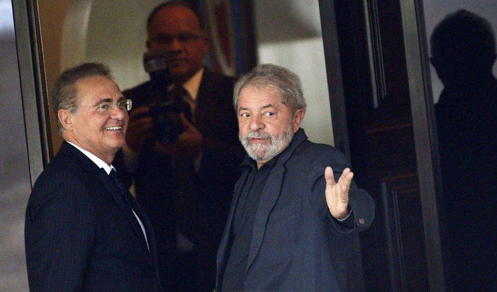 Renan Calheiros se reúne com o ex-presidente Lula