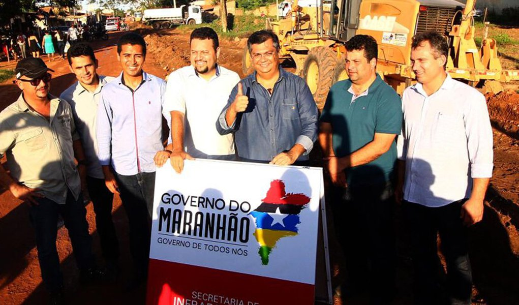 Governador Flávio Dino e secretário na entrega de obras e anúncios de investimentos para a cidade de Imperatriz. Foto: Gilson Teixeira/Secap