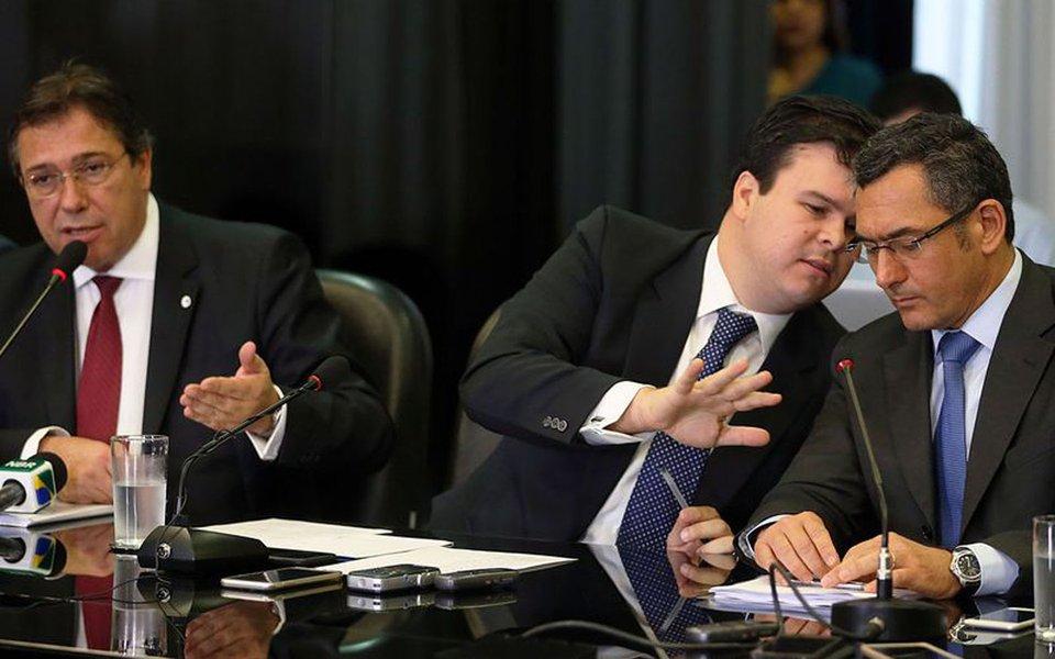 Bras�lia - O ministro de Minas e Energia, Fernando Bezerra Coelho Filho, e o presidente da Eletrobras, Wilson Ferreira Junior, concedem entrevista coletiva sobre a proposta de desestatiza��o da Eletrobras (Jos� Cruz/Ag�ncia Brasil)