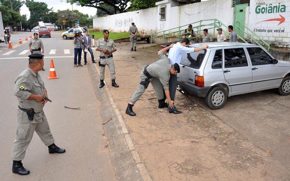 Abordagem Policial fotos Eduardo Ferreira