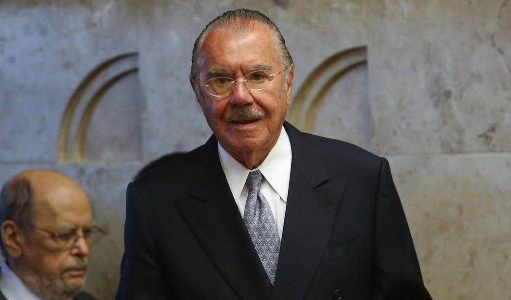 Brasília - O ex-presidente José Sarney na cerimônia de posse da nova presidente do Supremo Tribunal Federal (STF), ministra Cármen Lúcia (Wilson Dias/Agência Brasil)