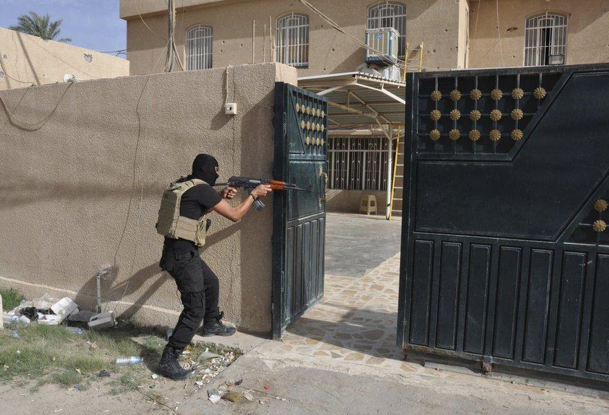 Forças de segurança do Iraque em combate contra extremistas do Estado Islâmico, terrorismo