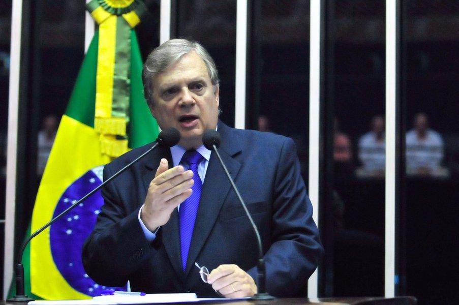 Em pronunciamento na tribuna do Senado, senador Tasso Jereissati (PSDB-CE).