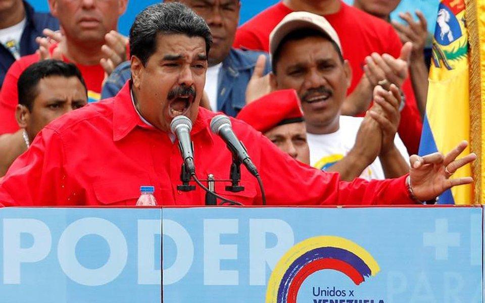 Presidente da Venezuela, Nicolás Maduro, discursa em evento de campanha em Caracas 27/07/2017 REUTERS/Carlos Garcias Rawlins