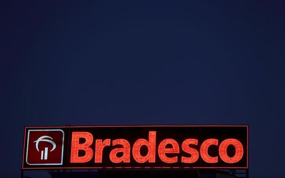 Logo do Bradesco em agência de Osasco (SP) 03/08/2015 REUTERS/Paulo Whitaker