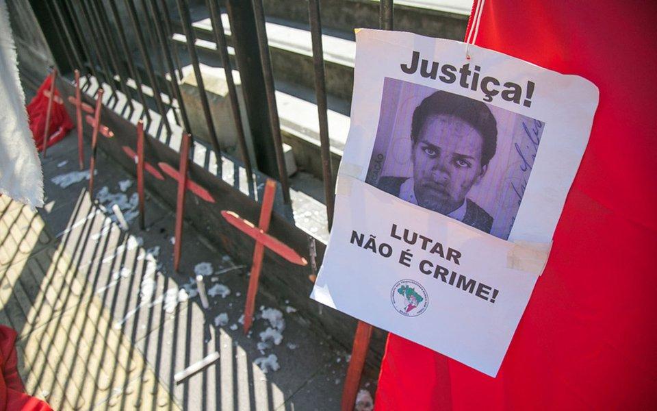 21/09/2017 - PORTO ALEGRE, RS - Julgamento do assassinato de Elton Brum, do movimento dos trabalhadores sem terra, MST, no Forum Central. Foto: Guilherme Santos/Sul21