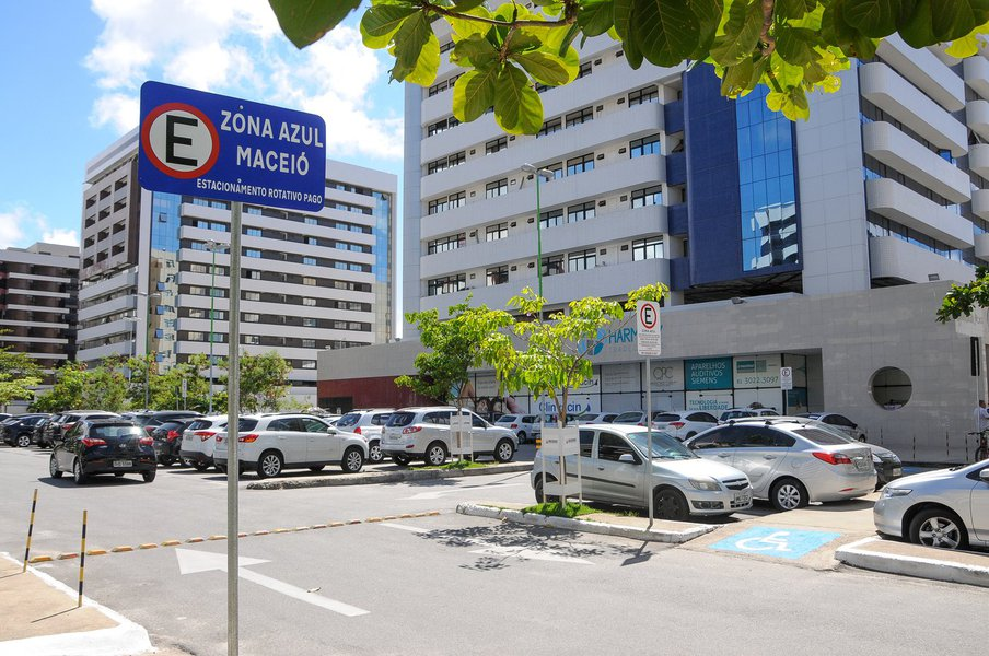 Zona Azul - Harmony Trade Center no Stela Maris Foto:Marco Antônio/Secom Maceió