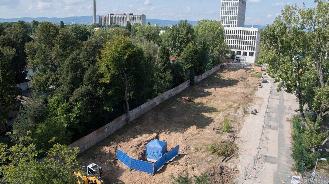 Bomba da 2ª Guerra mundial obriga 60 mil a deixarem suas casas em Frankfurt, Alemanha