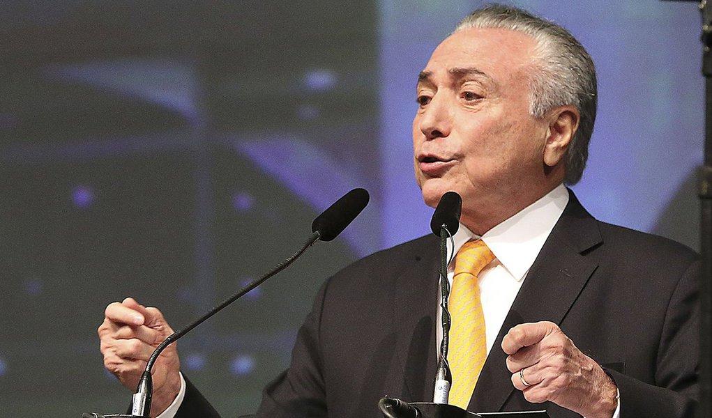 Brasília - O presidente Michel Temer, ministros e parlamentares participam da abertura da 20ª Marcha a Brasília em Defesa dos Municípios (Antonio Cruz/Agência Brasil)