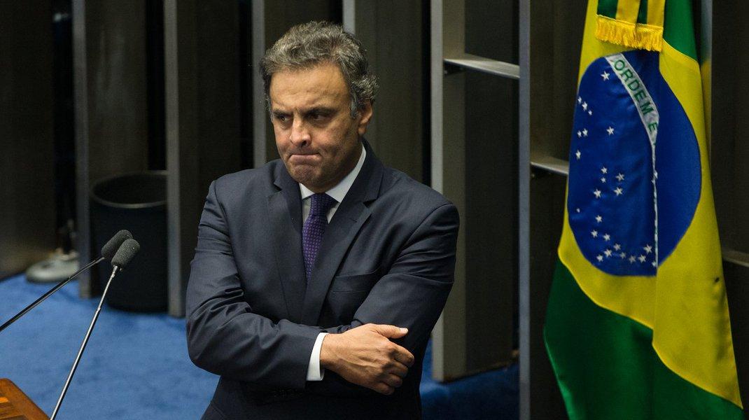 04/04/2017- Brasília- DF, Brasil- Senador Aécio Neves durante dsicurso na tribuna do senado. Foto Lula Marques/AGPT