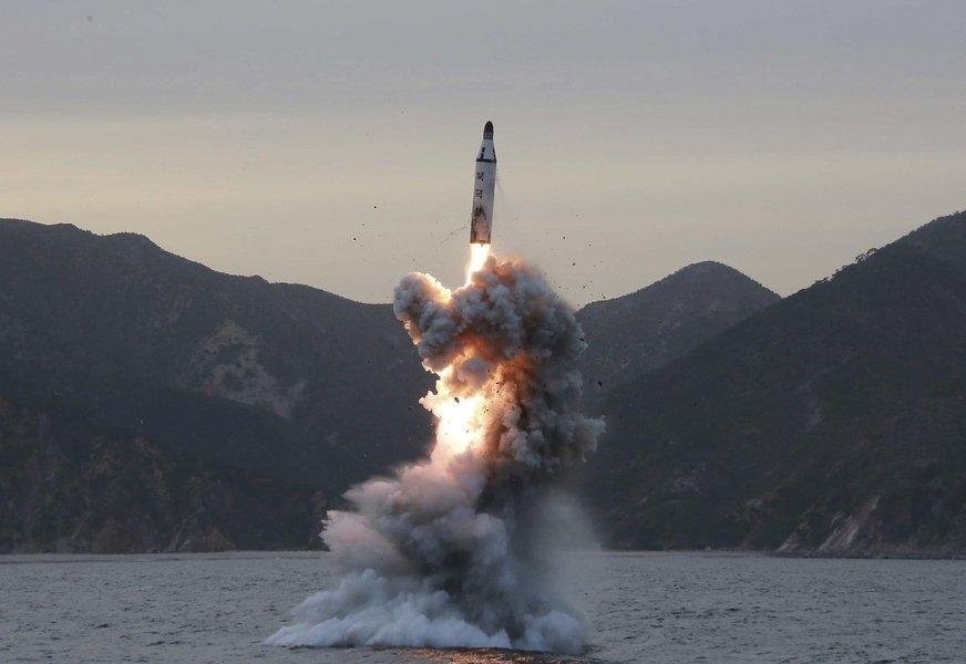 Coreia do Norte testa míssil balístico intercontinental