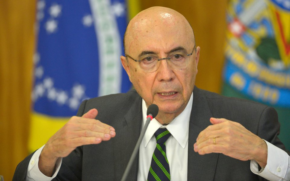 Brasília - O ministro da Fazenda, Henrique Meirelles, anuncia medidas para reduzir os gastos públicos (José Cruz/Agência Brasil)