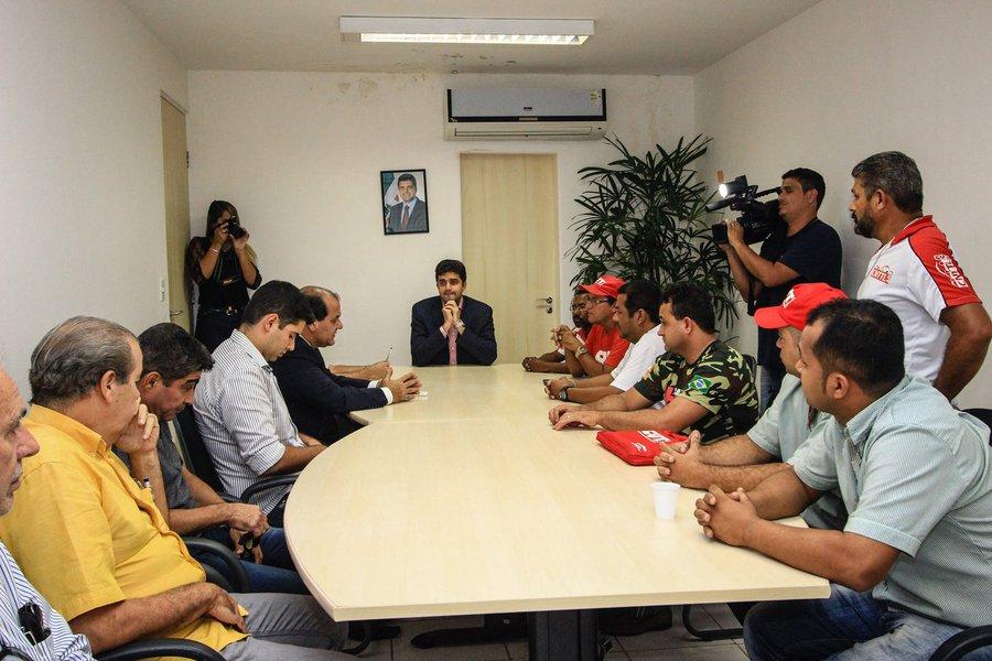 Rui Palmeira se reúne com Sindicatos dos Rodoviários. Foto: Pei Fon/ Secom Maceió