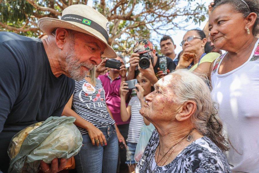 27/10/2017- Lula visita a cidade de Rubelita