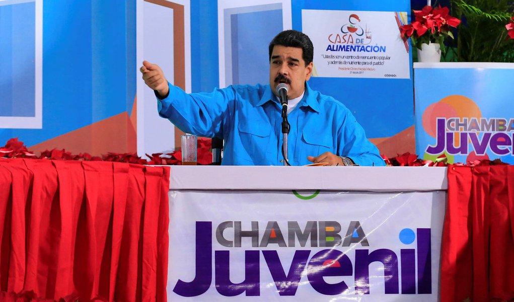 Presidente da Venezuela, Nicolás Maduro, durante evento no Palácio de Miraflores, em Caracas 22/11/2017 Palácio de Miraflores/Divulgação via REUTERS