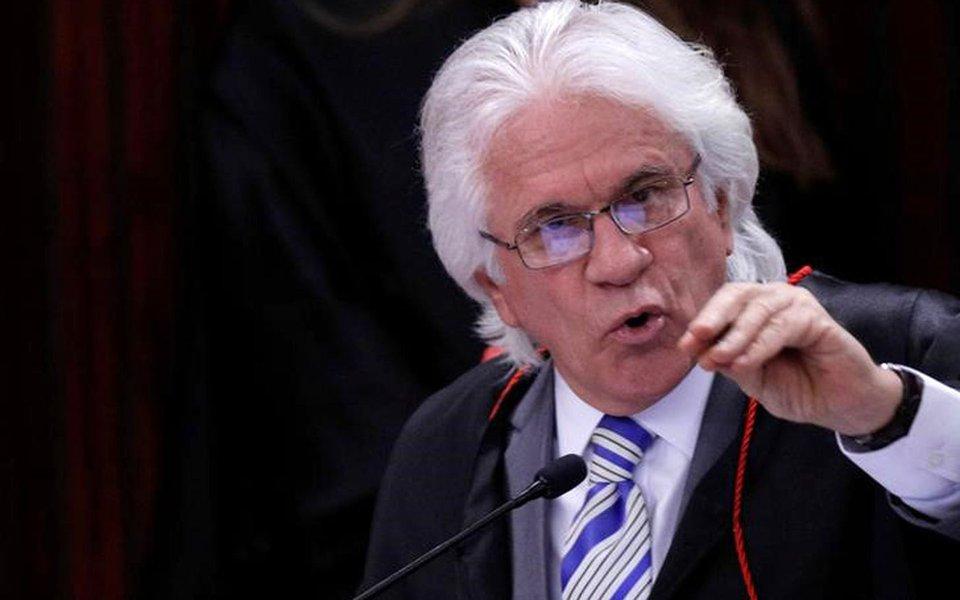 Ministro Napoleão Nunes Maia fala durante julgamento no TSE da chapa Dilma Temer 08/06/2017 REUTERS/Ueslei Marcelino