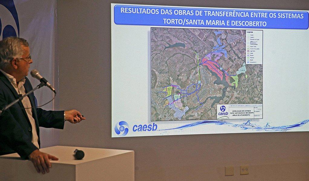 Brasília - O presidente da Companhia de Saneamento do Distrito Federal (Caesb), Maurício Luduvice, fala sobre a crise hídrica no Distrito Federal (Valter Campanato/Agência Brasil)