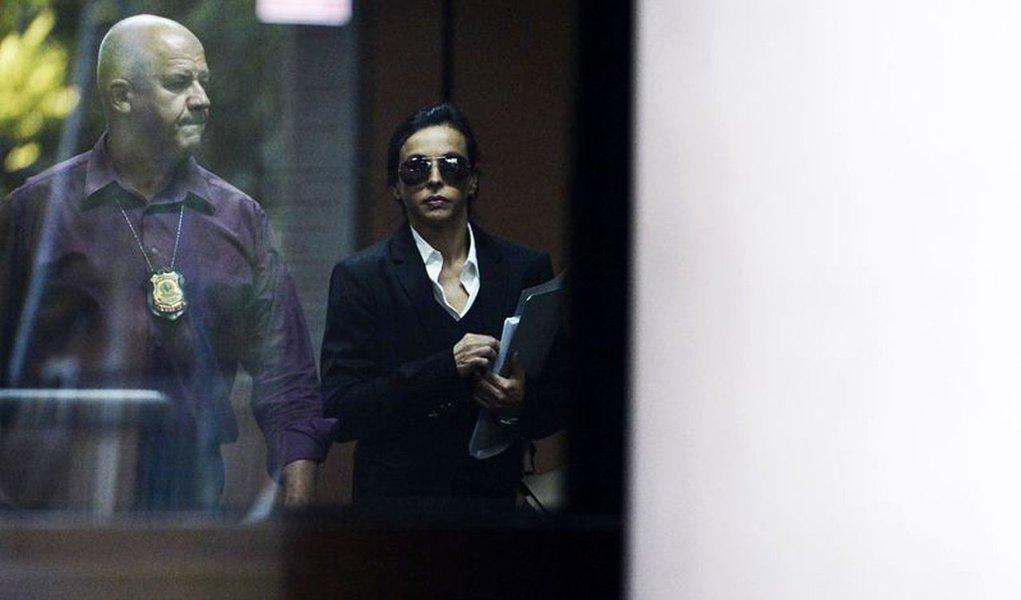 Rio de Janeiro - Esposa do ex-governador Sergio Cabral, Adriana Ancelmo, deixa a 7� Vara Federal Criminal do Rio de Janeiro ap�s depoimento � Justi�a Federal (Fernando Fraz�o/Ag�ncia Brasil)
