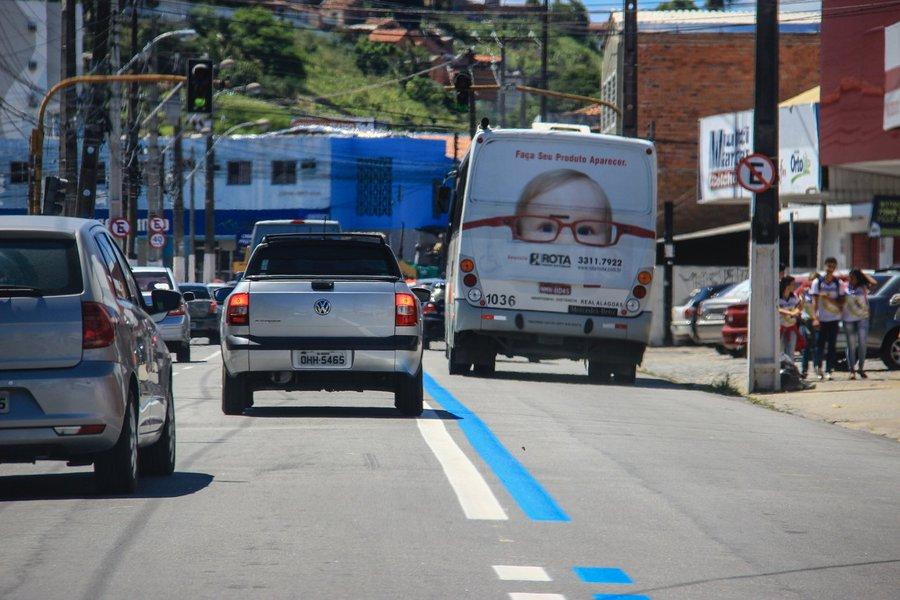 Faixa Azul - Avenida Comendador Leão. Foto: Pei Fon/ Secom Maceió