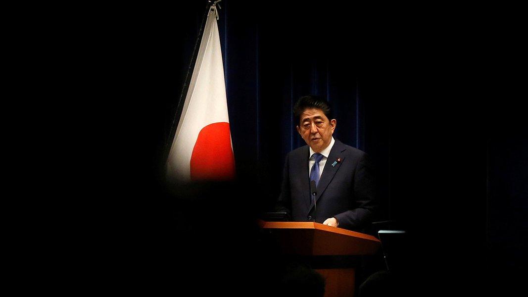 Primeiro-ministro do Japão, Shinzo Abe, durante coletiva de imprensa, em Tóquio 25/09/2017 REUTERS/Toru Hanai