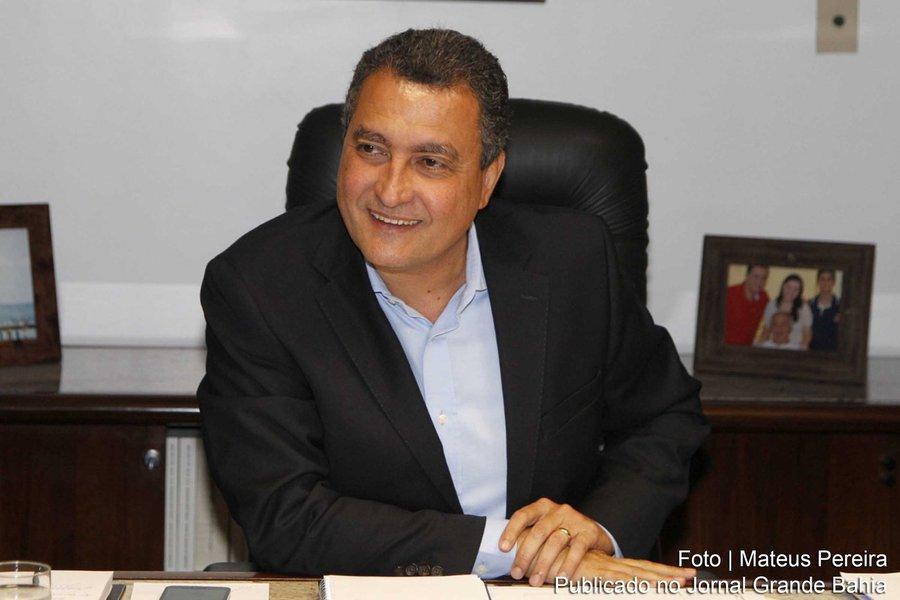 Governador Rui Costa é entrevistado por Patrícia França do jornal A Tarde. Foto: Mateus Pereira/GOVBA