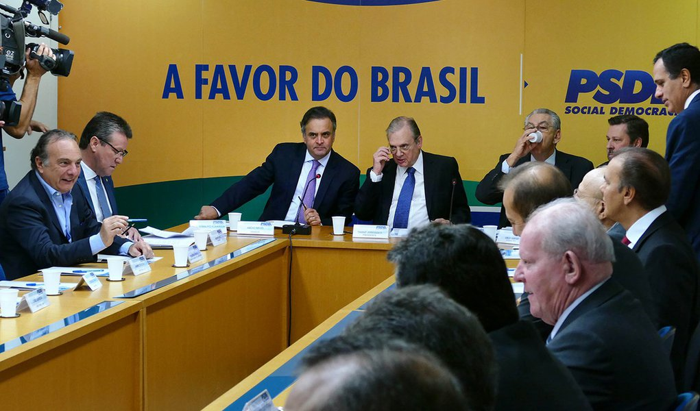 Presidente do PSDB, Tasso Jereissati e o senado Aécio Neves duranre reunião com presidentes dos diretórios estaduais do partido. Brasilia, 24/08/2017 - Foto Orlando Brito