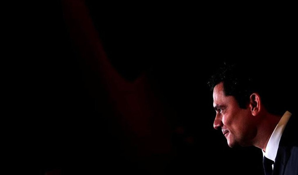 O juiz Sergio Moro fala durante fórum promovido pela revista Veja em São Paulo, Brasil 27/11/2017 REUTERS/Leonardo Benassatto