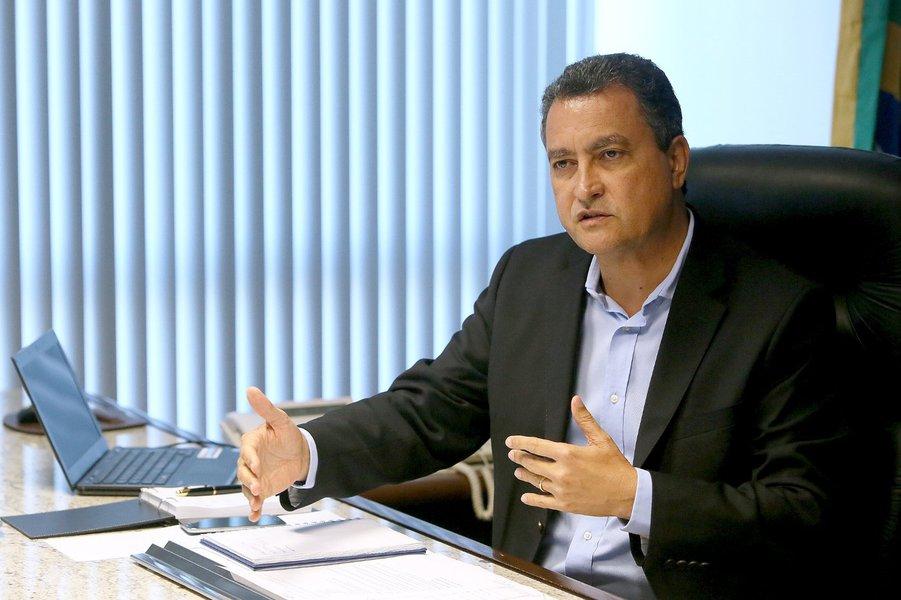 01/07/2015 - Salvador - Bahia - O governador da Bahia, Rui Costa sanciona lei que pode reforçar cofres do Estado em até R$ 1,1 bi. Foto: Foto: Mateus Pereira/GOVBA