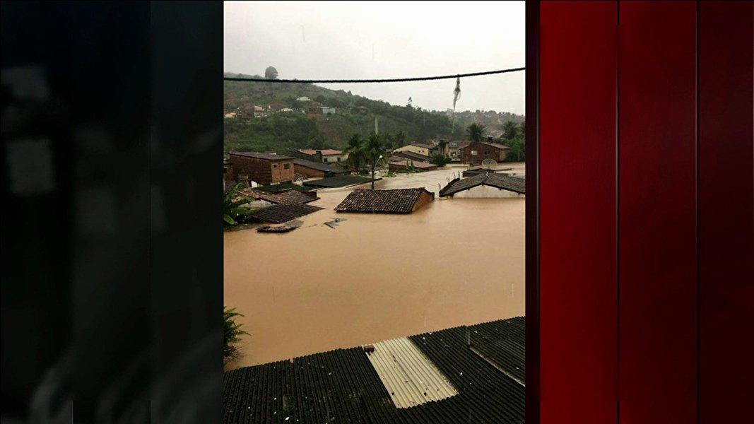Chuvas alagam e causam destruição em municípios da Zona da Mata Sul de Pernambuco