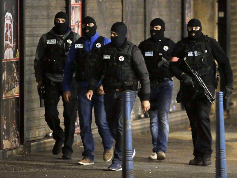 Policiais de grupo antiterrorista na França, terrorismo