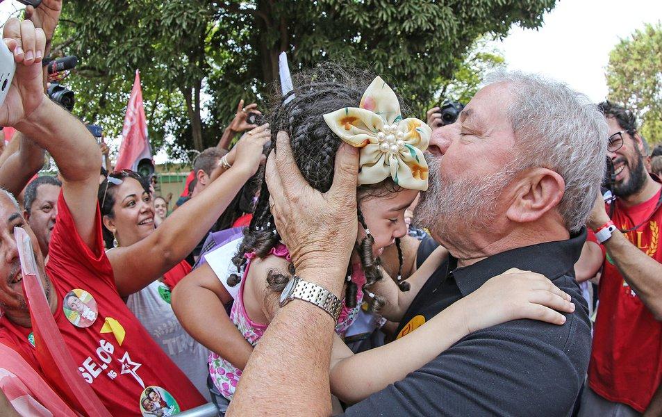 18/10/2014 - O ex presidente Lula, durante ato de mobilização com o governador eleito Fernando Pimentel. Foto: Ricardo Stuckert/ Instituto Lula