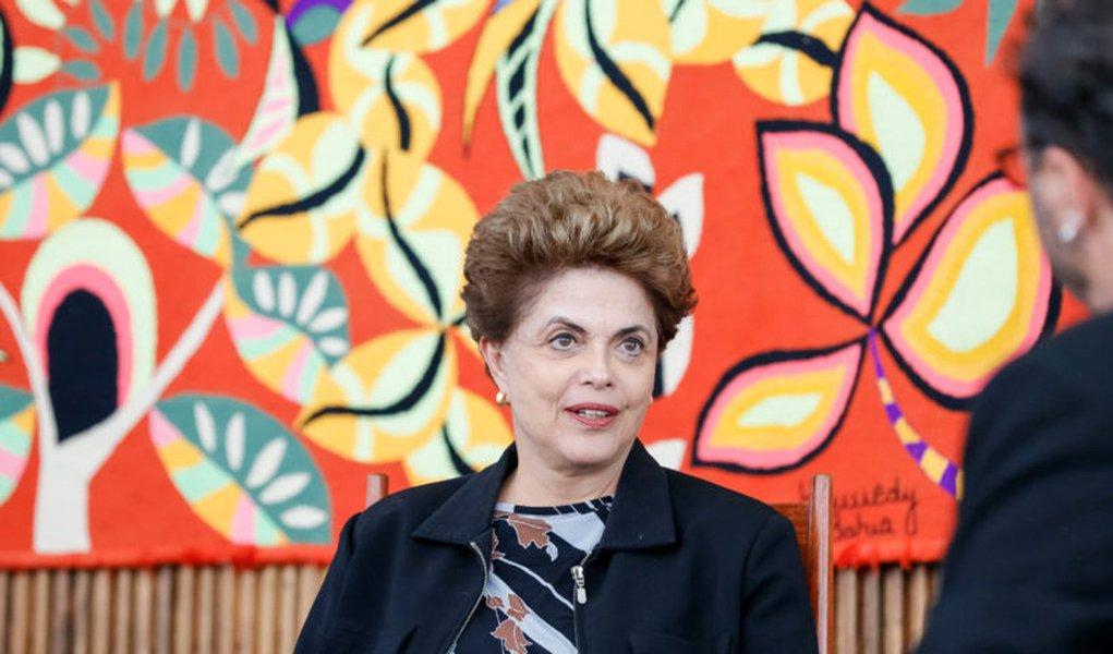 Brasília - DF, 02/08/2016. Presidenta Dilma Rousseff durante entrevista para Revista Fórum no Palácio da Alvorada. Foto: Roberto Stuckert Filho/PR