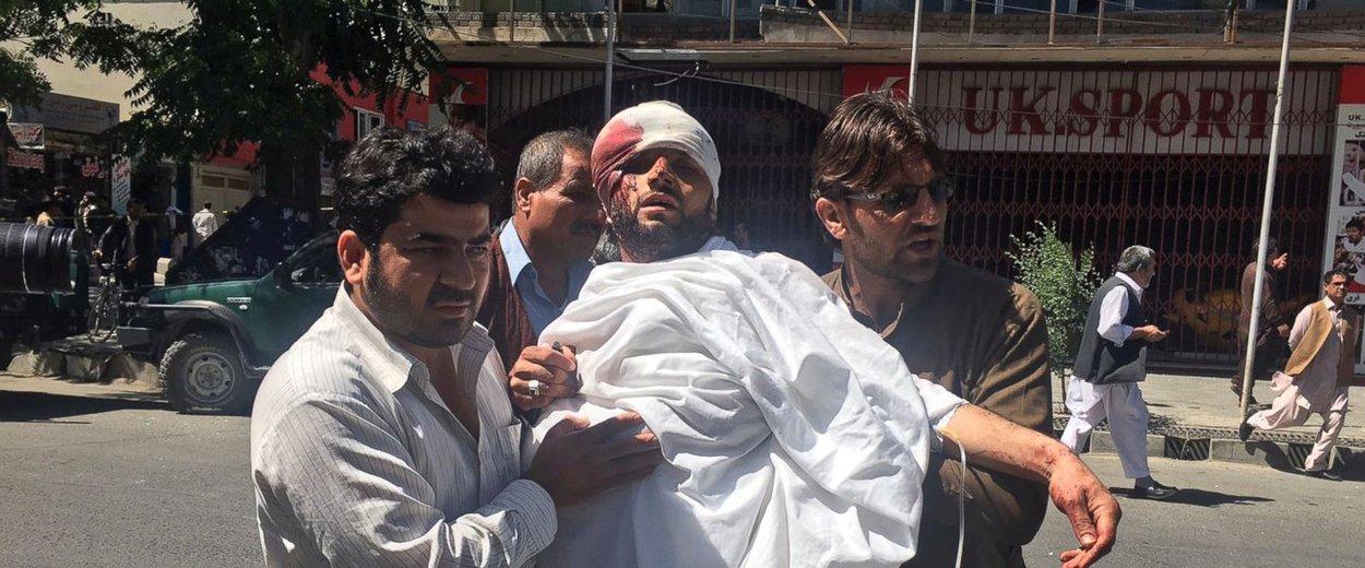 Atentado em Cabul deixa ao menos 80 mortos e mais de 100 feridos