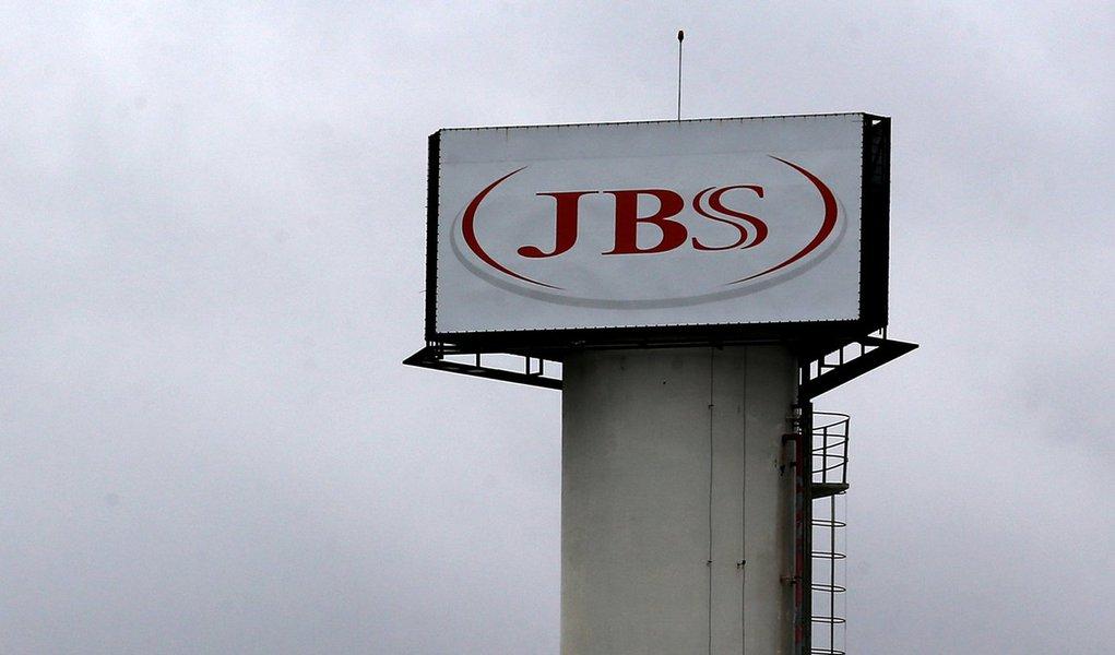 Logo da JBS é visto em unidade na cidade de Jundiaí. 01/06/2017 REUTERS/Paulo Whitaker