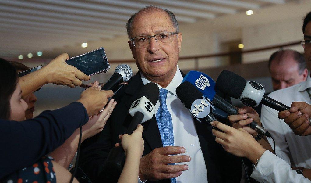 02/09/2017- Brasilia- O Governador de São Paulo, Geraldo Alckmin encontra-se com o Ministro das Relações Exteriores, Aluísio Nunes, na manhã desta segunda-feira em Brasília. Foto: Sergio Dutti/A2img