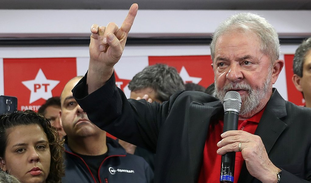 13/07/2017- São Paulo- SP, Brasil- Ex-presidente Lula dá entrevista coletiva na sede do PT Nacional, em São Paulo. Foto: Ricardo Stuckert